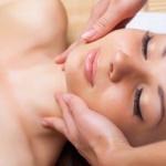 Masáž v akejkoľvek forme uvoľňuje svaly a odstraňuje bolesť a napätie z tela,  uvoľňuje telo a upokojuje myseľ. A dobrá masáž, ktorá je vykonávaná pravidelne, pomáha ...